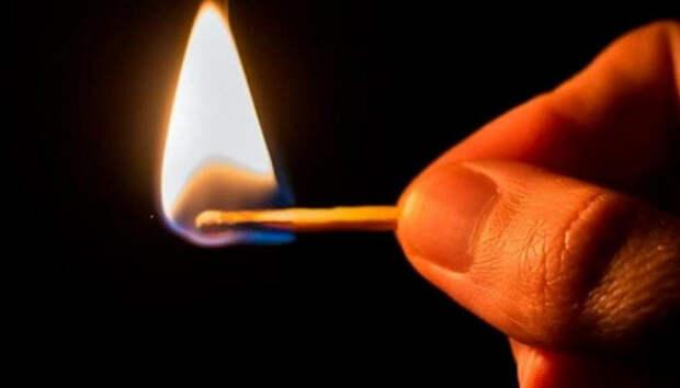 В Пудожском районе мужчина хотел сжечь знакомую заживо