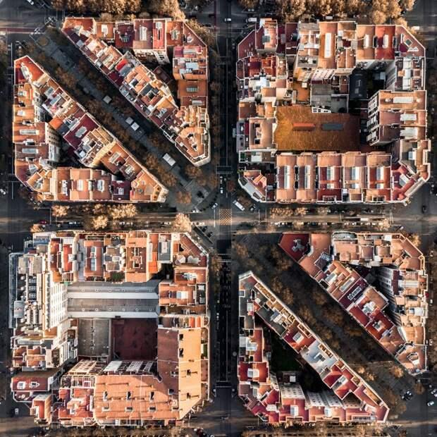 Город баланса исимметрии: Барселона свысоты птичьего полета