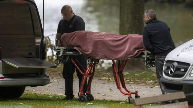 Труп полуобнаженной женщины обнаружен у пруда в Хамме