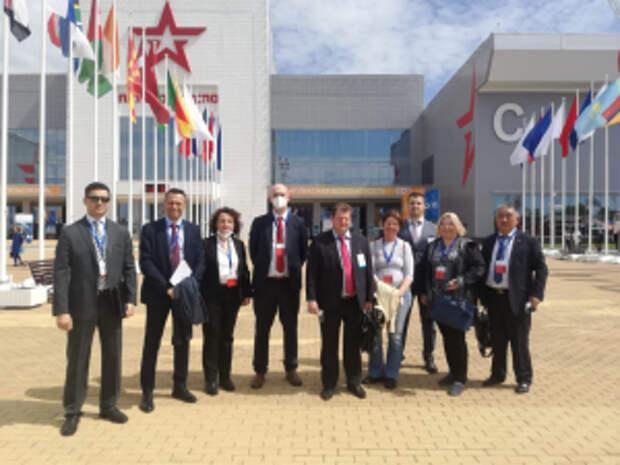 Представители правоохранительных органов иностранных государств посетили выставку форменного обмундирования МВД России