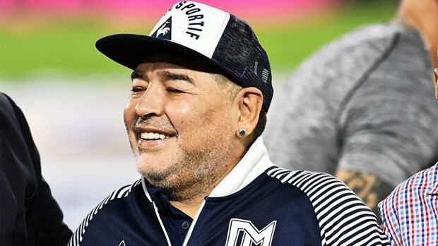 Марадона: «Никто не достигнет и половины того, что сделали Месси и Роналду»