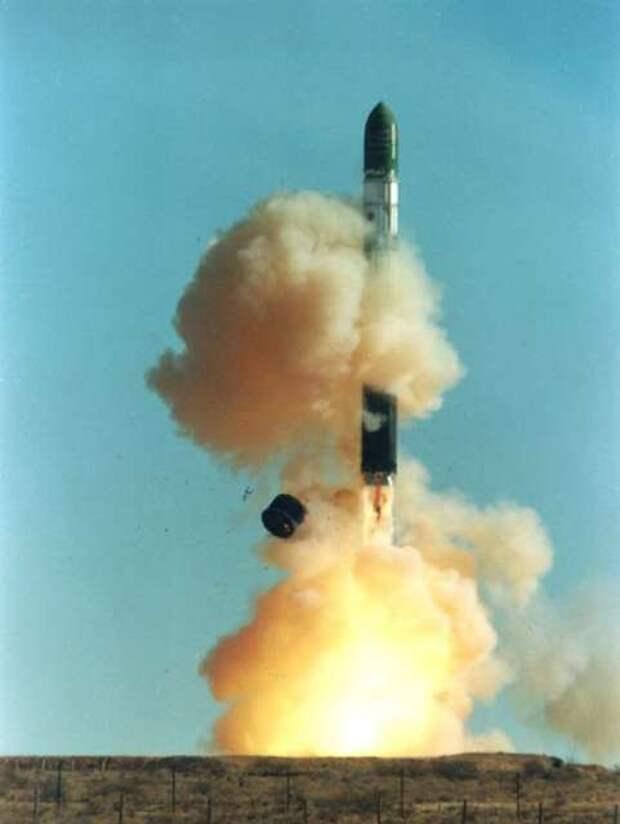 Dnepr_rocket_lift-off_1.jpg