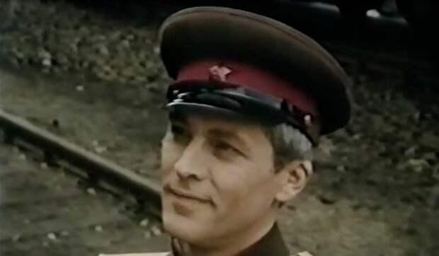 """Кадр из фильма """"Через Гоби и Хинган"""" (1981)"""