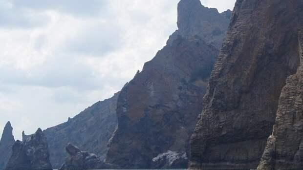 Девочка сорвалась со скалы во время прогулки в Башкирии