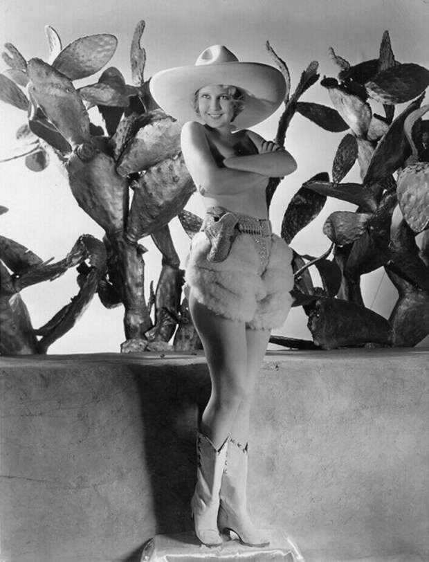 Красотка из 30-ых Кристина Мейпл