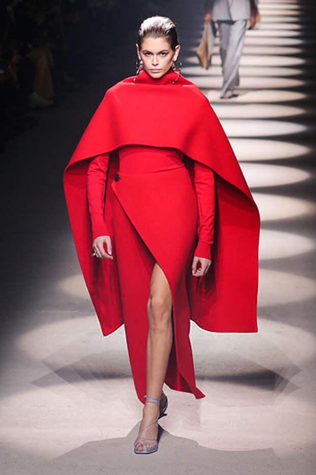 Кайя Гербер на показе Givenchy