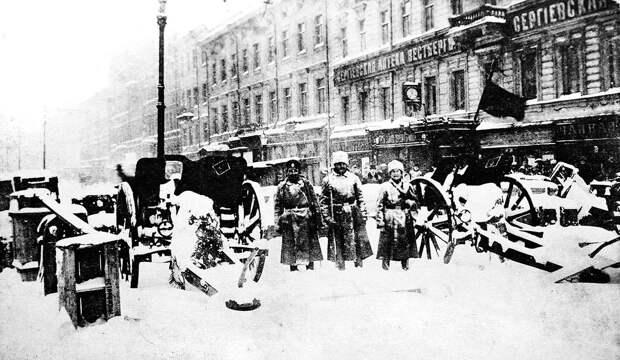 В первые дни Февральской революции было очень морозно. <br>
