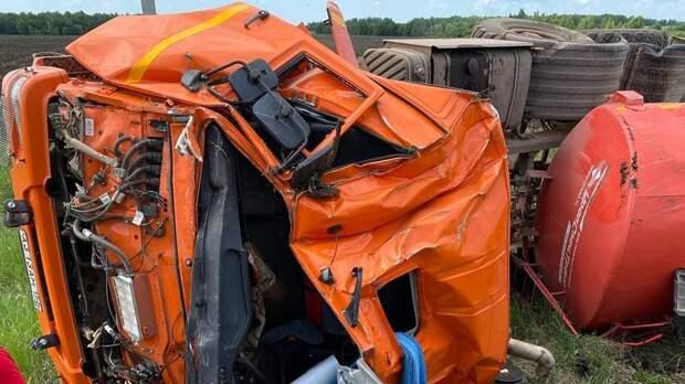 Надороге Бугуруслан— Старокутлумбетьево погиб водитель нефтевоза