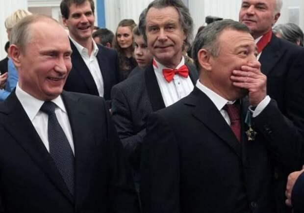 Олигархам обнулили налог на вывод денег из России