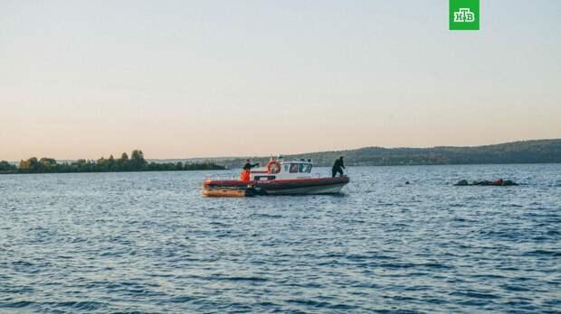 Трое подростков утонули в Онежском озере