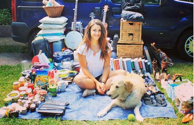 Девушка переделала старый фургон вдом наколесах ипутешествует посвету сосвоим псом