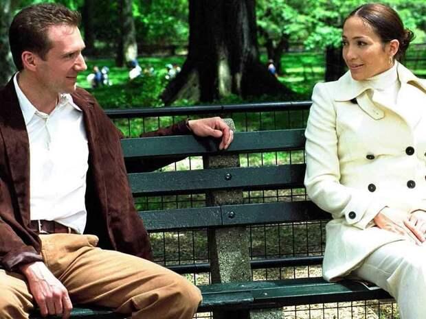 Топ-3 фильма про женщин Золушек и их спасителей + бонус