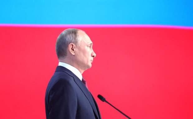 Путин присвоил звание генерала армии главкому Сухопутных войск Салюкову