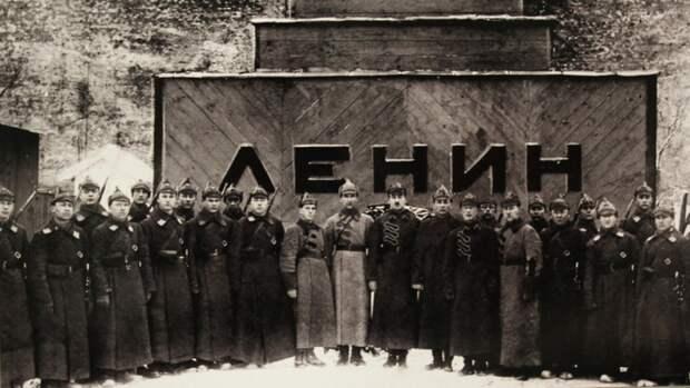 """Медиагруппа """"Патриот"""" обсудит вопрос захоронения Ленина"""