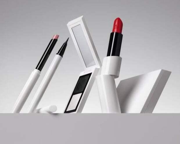 Zara выпустила первую коллекцию декоративной косметики