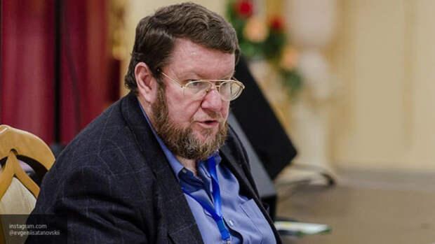 Сатановский назвал причину стягивания войск Запада к российской границе