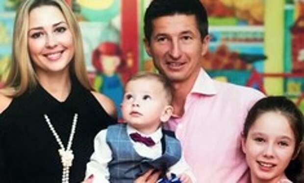 Как Евгений Алдонин пережил смерть экс-супруги Юлии Началовой, принял в новую семью дочь от первого брака и стал отцом в третий раз