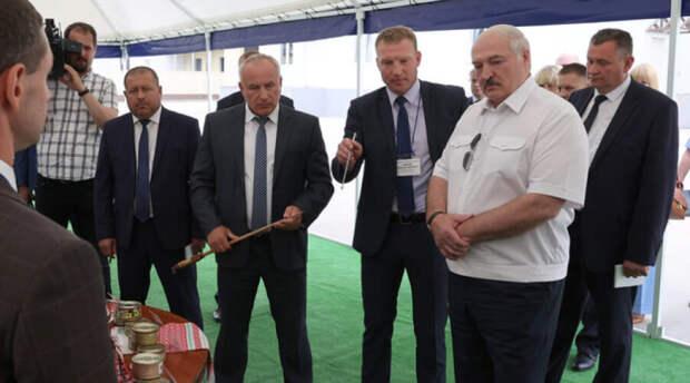 Разъяренный белорусский «диктатор» потребовал головы провинившихся