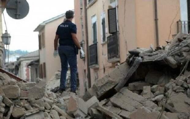Число жертв итальянского землетрясения увеличилось до 294