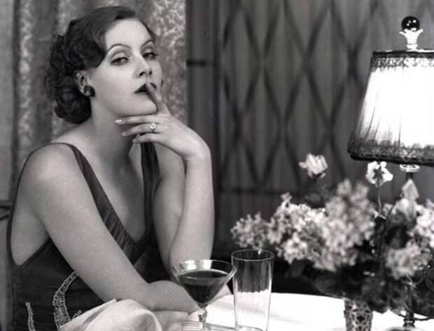 Почему звезда Голливуда Грета Гарбо ушла из кино и 50 лет не появлялась на публике