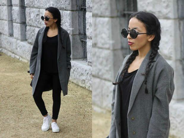 Девушка в стильных очках и сером пальто