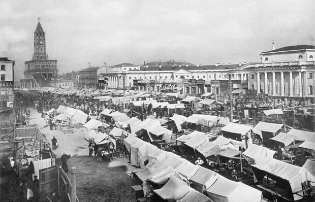 Рынок возле башни. Изображение: ria.ru