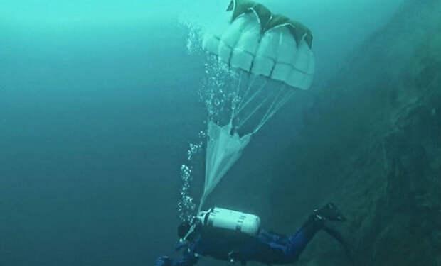 Зачем на подводных лодках парашюты