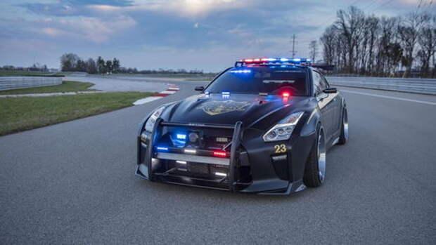 Полицейский Nissan GT-R: расслабляться ли нарушителям?