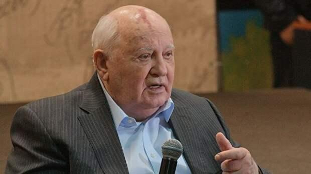 """Пушков заявил о """"сокрушительном поражении"""" по вине Горбачева"""