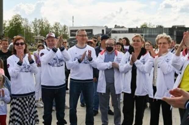 Елена Малышева приехала в Калугу для посадки черешни