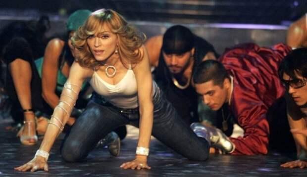 Мадонну хотели оштрафовать, ноплатить пришлось еероссийским оппонентам