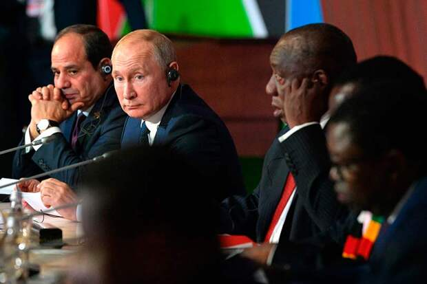 Путин заявил африканским лидерам, что борьба с бедностью в России крайне важна, поскольку тормозит развитие экономики