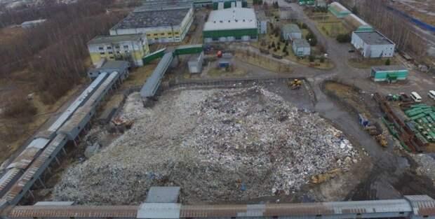 Отходы на МПБО-2 не двигаются с места: кто уберет 40 тысяч тонн отравляющего почву мусора?