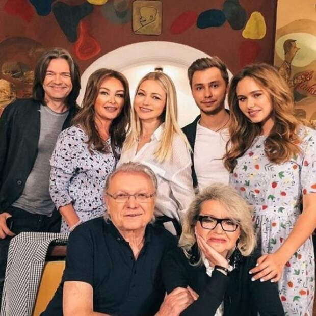 Талантливая мама Дмитрия Маликова всегда в тени. Кто же она?