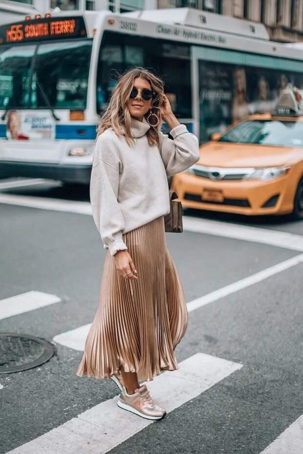 С чем носить юбку плиссе в 2021 году