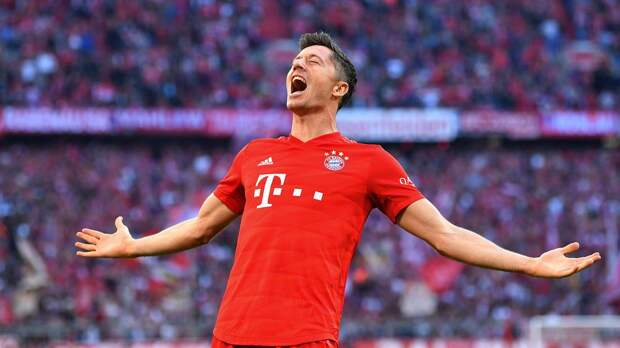 «Бавария» сыграла вничью с «Фрайбургом», Левандовски забил и повторил рекорд Мюллера