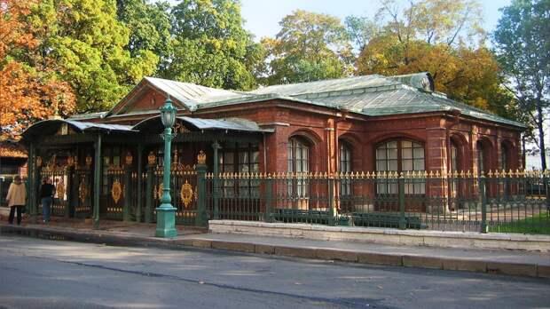 Русский музей впервые за два года открыл для посетителей домик Петра I в Петербурге