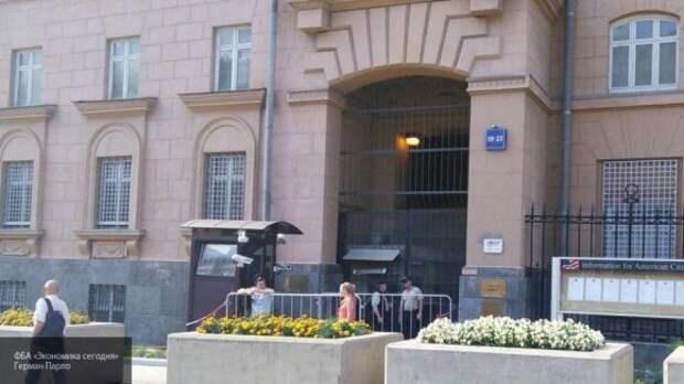 Мать устроившего ДТП у посольства США рассказала о пьянстве сына