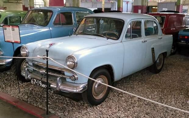 Москви́ч-402 автомобили, москвич, фоторепортаж