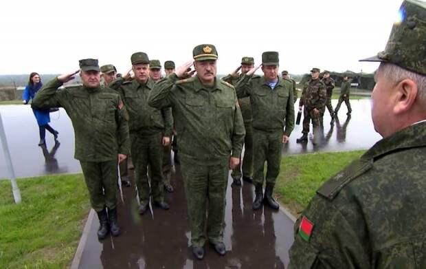 Лукашенко назвал подлётное время истребителей НАТО и призвал готовиться к войне