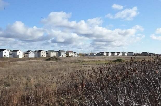 В некоторых местах Канады можно купить участок земли под строительство дома за символическую плату. | Фото: myhomemontreal.com.