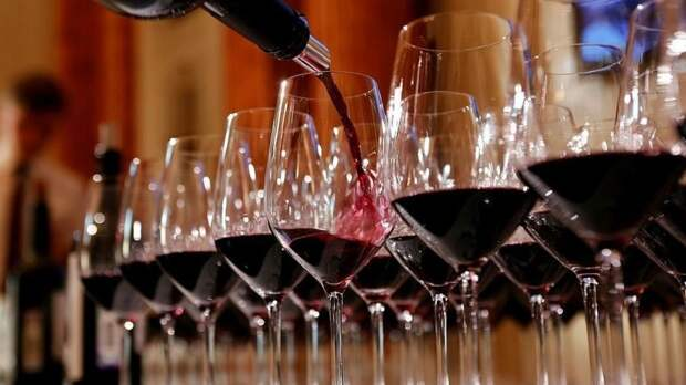 Виноделы оценили уровень мирового потребления вина в 2020 году