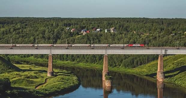 Поезд «Таврия» начнет курсировать между Крымом и Астраханью