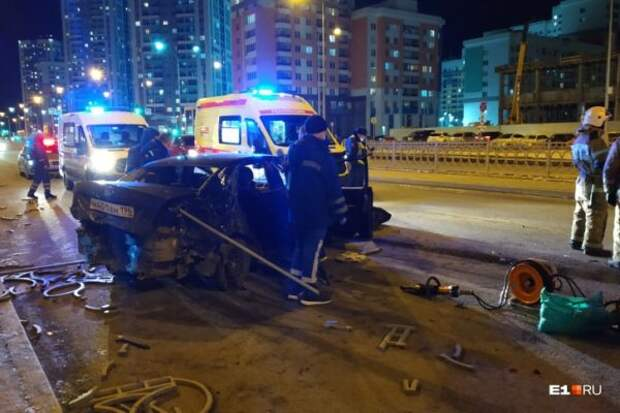 В Екатеринбурге произошло ДТП – погибла женщина