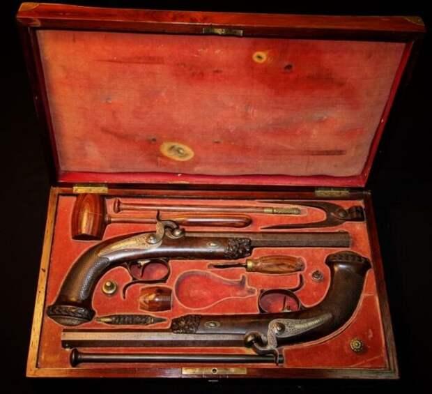 Пушкин упорно тренировался в стрельбе и был хорошим стрелком. /Фото: i1.wp.com