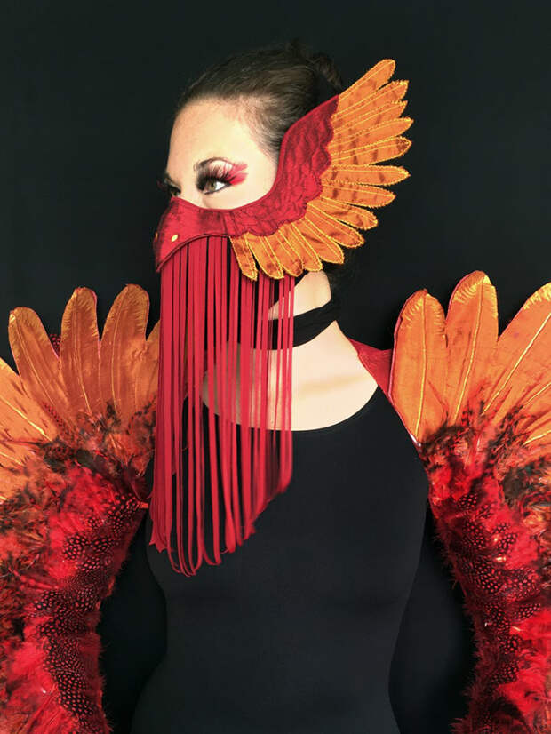12 гениальных идей, как вписать маску в свой костюм на Хэллоуин