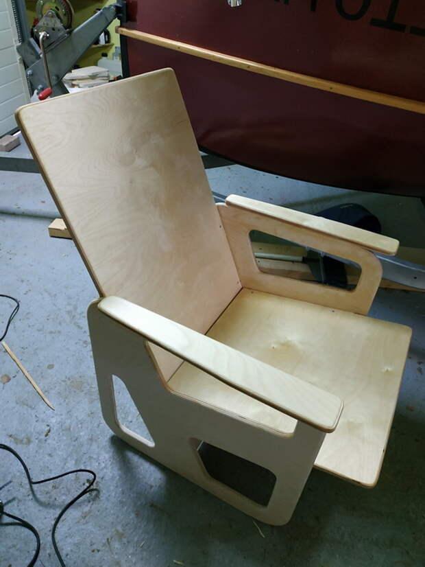ариант простого садового кресла из фанеры своими руками