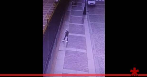 Оскорбивший Путина и ФСБ вандал задержан в Петербурге