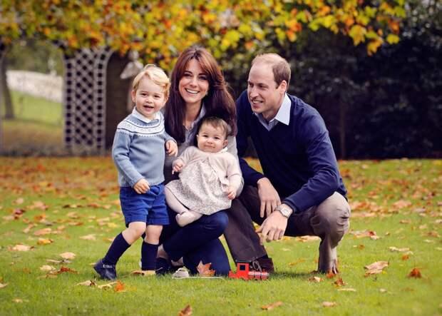 Открытки детей принца Уильяма для «бабушки Дианы» растрогали Сеть