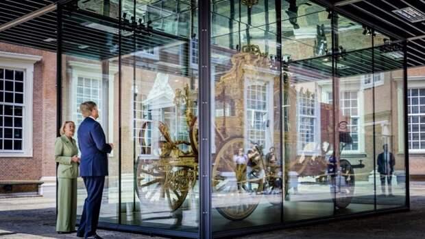 У короля Нидерландов отняли золотую карету. Это не революция, это хуже